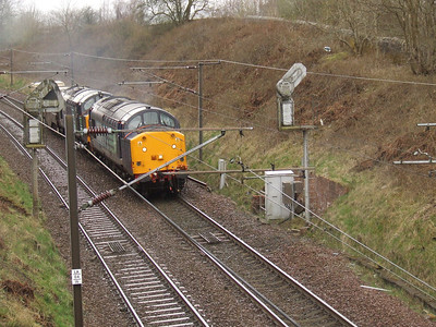 DRS 37601 and 37609 passing through Elderslie with the nuclear flask service from Hunterston PS to Carlisle Kingmoor
