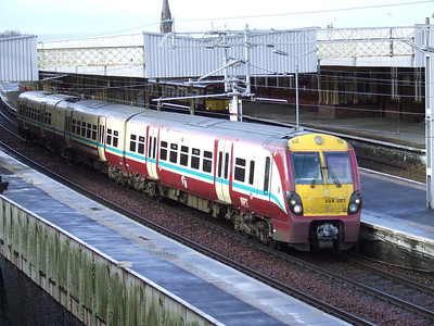 334022 departing P3 of Paisley Gilmour Street on a Glasgow Central service