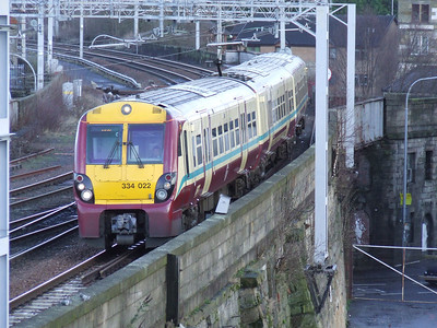 334022 drawing into P4 of Paisley Gilmour Street on a service to Largs