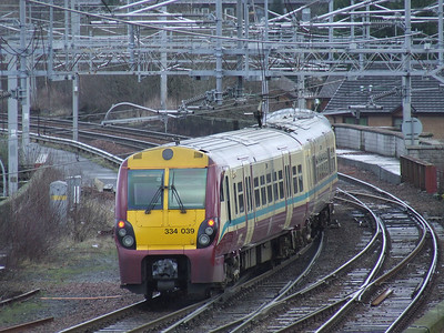 334039 departing P1 of Paisley Gilmour Street on a Glasgow Central service