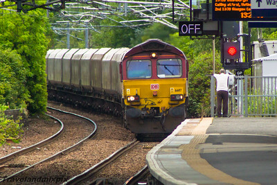 66117 DBS (EWS livery) Paisley Gilmour Street 31/08/2015