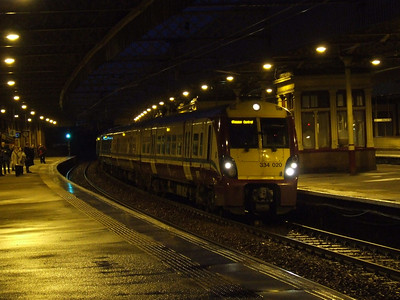 334020 at P3 waiting to depart to Glasgow Central from Paisley Gilmour Street