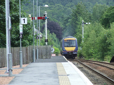 170405 on it's way to Edinburgh Waverley as seen from P1 at Pitlochry