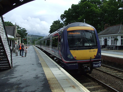 170405 at Pitlochry on a service to Edinburgh Waverley