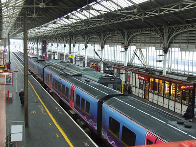 Standard fare at Preston, a Class 185 Desiro of First TransPennine at P3, a Class 142 of Northern at P2 and beyond that a Class 156 of Northern at P1