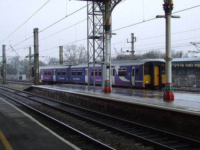 150211 drawing into P1 with a Blackpool North service