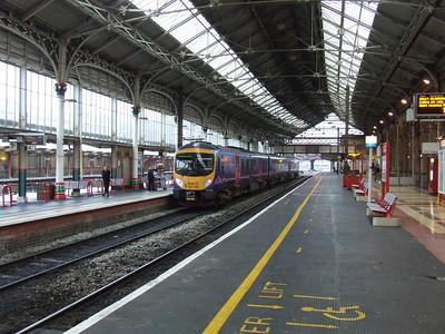 185135 on a service to Blackpool North at P2 at Preston