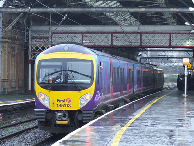 185103 at P6 of Preston on a service to Manchester Airport