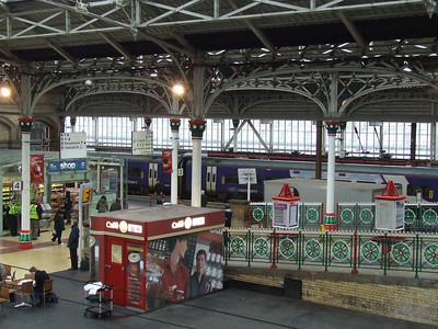 Preston Station, with a Northern Class 158 at P2