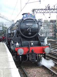 Black 5 45231 The Sherwood Forester at P11 at the head of the Great Britain II