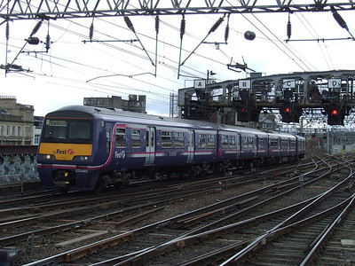 322482 arriving at Glasgow Central to form a service to service to North Berwick