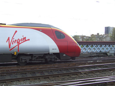 390019 Virgin Warrior departing with a service to London Euston