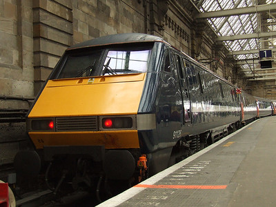 91119 at P1 of Glasgow Central, waiting to depart on a service to London Euston