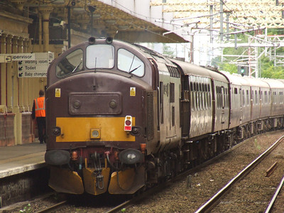 37248 Loch Arkaig passing through Paisley Gilmour Street at the rear of the Royal Scotsman en route to Wemyss Bay