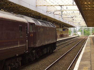 47787 with the Northern Belle passing through Paisley Gilmour Street on it's way to Wemyss Bay