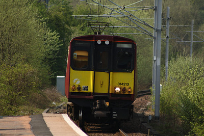 314213 drawing into Whinhill on a service to Glasgow Central