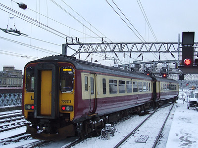 156513 at signals outside Glasgow Central as it waits to depart on a Barrhead service