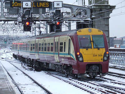 334009 departing on an Ayr service