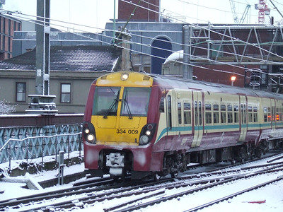 334009 departing P15 on an Ayr service