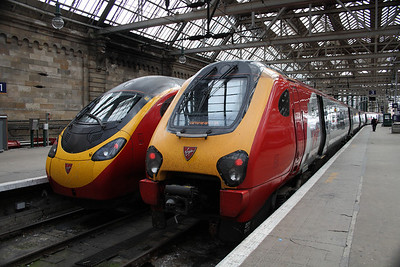 221143 Auguste Picard and 390024 Virgin Venturer at P2 and P3 at Glasgow Central