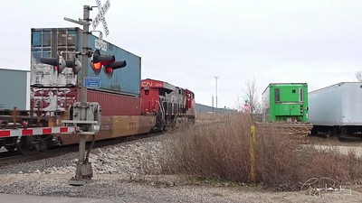 Southbound intermodal from Fond du Lac - This week in trains.