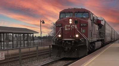 Friday shorts - CP 199 Flies Through The Station - Railfanning Wisconsin