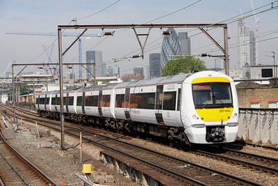 5 June. 357004 TONY AMOS working the 1000 Fenchurch Street - Shoeburyness at Shadwell.