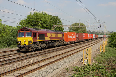 4 June. 66041 leads the 0815 Ipswich West Bank - Hams Hall at Chelmscote.