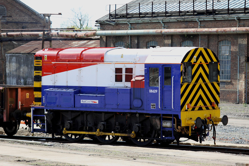 7 May. 08629 is seen shunting inside Wolverton Works preparing to move 465017 to the centre sidings.