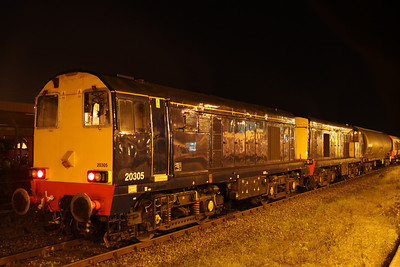 27 October. 20304 + 20305 Gresty Bridge are seen on the rear of 8X09 at Banbury.