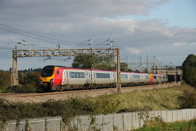 16 October. 221113 Sir Walter Raleigh + 221144 Prince Madoc pass Chelmscote on the 1250 Holyhead - Euston.
