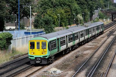4 September. 319219 leads the 1142 London Bridge - Brighton at South Croydon.