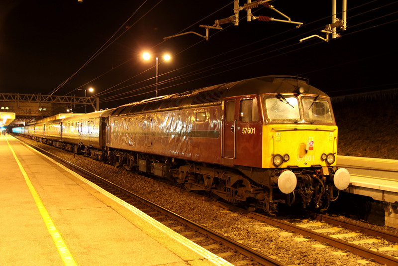 2 April. 57601 stands at Milton Keynes on the rear of the Settle & Carlisle Statesman, the 1Z58 1520 Carlisle - Milton Keynes.