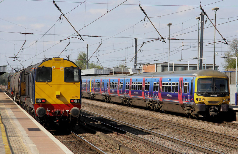 9 April. 20301 Max Joule 1958-1999 + 20304 top and tail 20302 + 20305 Gresty Bridge through Hitchin working from Willesden - March whilst 365528 leads the 1426 Cambridge - King's Cross.