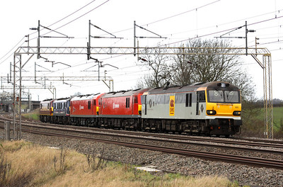 27 December. Festivities over, 92003 Beethoven leads 92042 + 92031 + 90019 + 92020 Collingwood past Chelmscote working as the 0Z27 Crewe IEMD - Wembley.
