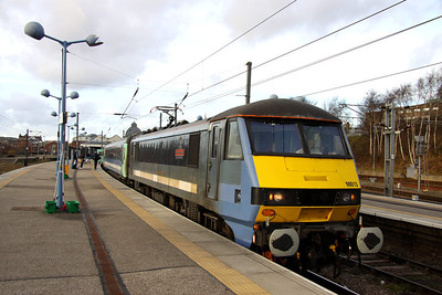 28 December. A grubby 90013 The Evening Star PRIDE OF IPSWICH 1885-2010 125 YEARS OF SERVING SUFFOLK awaits departure time at Norwich with the 1400 to Liverpool Street.