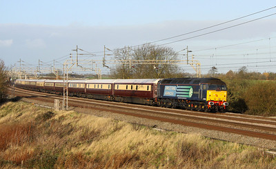 3 December. 47802 Pride of Cumbria curves south at Chelmscote with the Northern Belle working the 1Z76 0515 Warrington Bank Quay - Kensington Olympia. Northern Belle liveried 47790 Galloway Princess was on the rear of the formation.