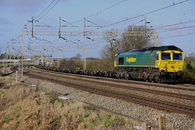 12 February. 66567 coasts south at Chelmscote atop the 4L90 0907 Lawley Street - Felixstowe.