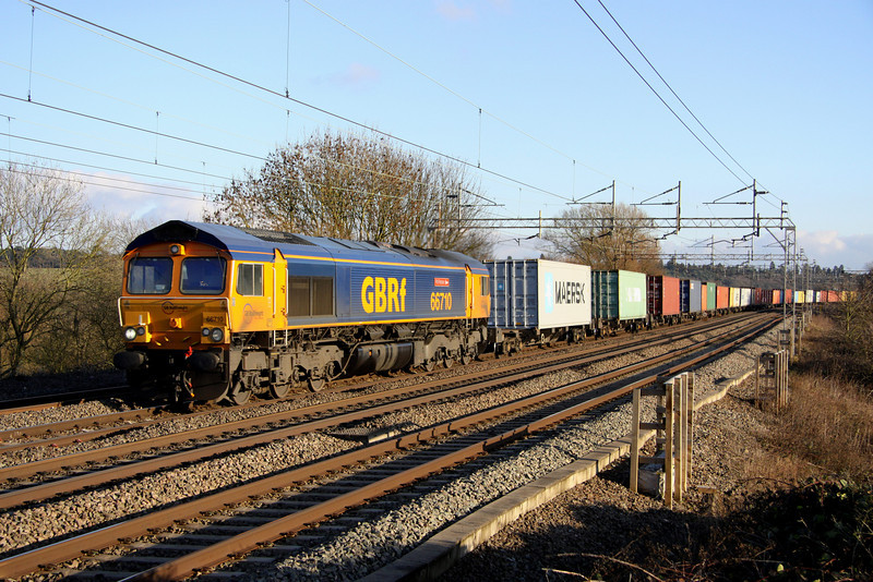 8 January. 66710 Phil Packer BRIT passes Chelmscote with the 4M23 1059 Felixstowe - Hams Hall.