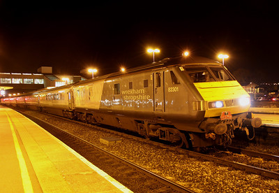 28 January. At the end of the day..... The final curtain comes down on WSMR operations as 82301 leads the last ever WSMR working, the 1J84 1830 Marylebone - Wrexham General. LONG LIVE WSMR !!!