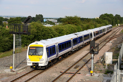 1 July. Chiltern have recently started to use their new class 172/1 DMU fleet which comprises four units, 172101 - 172104. Seen here approaching Bicester North, 172104 + 172102 + 172101 are working the 1809 Marylebone - Bicester North.