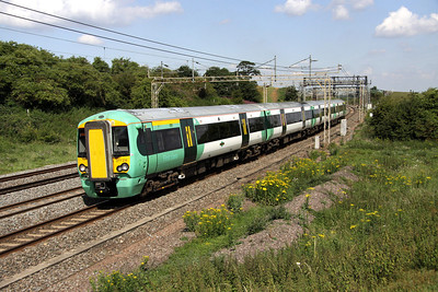 2 July. Southern 377214 at Old Linslade on the 1013 Milton Keynes - South Croydon working.