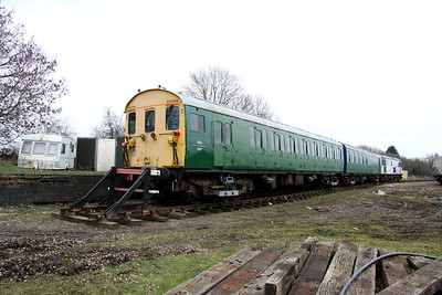5 March. Ex BR class 416/2 EPB unit vehicles 977924 + 977925 from unit 930206 stand at Finmere. This unit was used as a sandite and de icing unit on the former southern region.