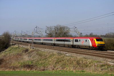 4 March. Mark 3B DVT 82126 leads the 5A42 1209 Northampton - Wembley past Chelmscote.