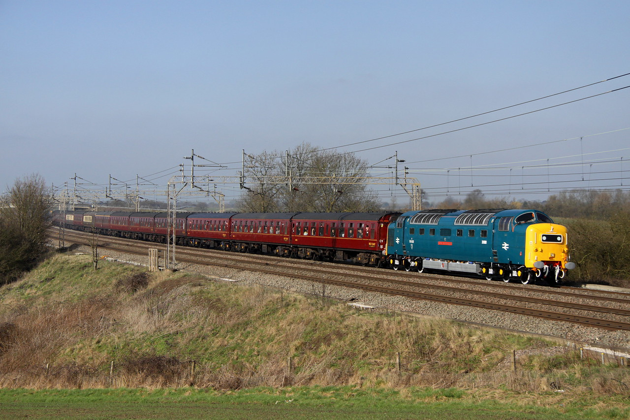 4 March. Deltic drone and Napier noise ! An immaculate 55022 ROYAL SCOTS GREY drones past Chelmscote with the Royal Scots Grey positioning move (outward) the 1Z25 0905 Preston - Euston.