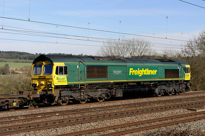 14 March. 66503 The RAILWAY MAGAZINE heads past the camera at Chelmscote working the 4L57 1306 Daventry - Tilbury.