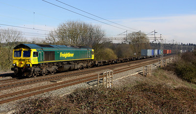 14 March. My last FL 66 for sight, 66953 coasts through Chelmscote with the 4M58 0950 Southampton - Crewe Basford Hall.