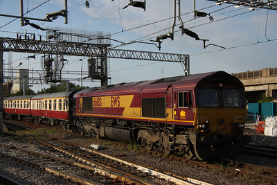 4 June. 66183 heads away from Bletchley working the Midland & Great Central No'2, the 1Z51 1550 Hotchley Hill - Euston.