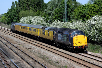 2 May. 37604 is seen at Bromham heading the 1Z02 1010 Derby RTC - Ferme Park test train. 37069 is on the rear.
