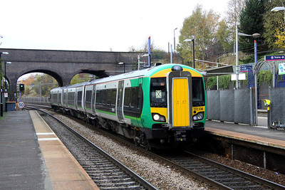 5 November. 172338 draws into The Hawthorns in charge of the 1155 Stourbridge Junction - Stratford upon Avon.